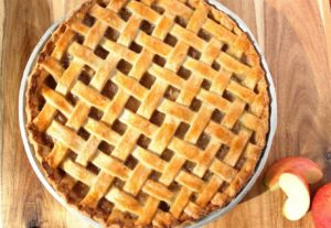 an old fashioned apple pie