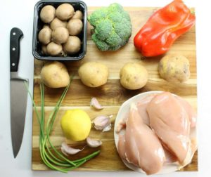 Healthy sheet pan suppers are ideal for busy families looking to do less cooking and cleaning. This garlic & lemon roasted chicken with sides is perfect!