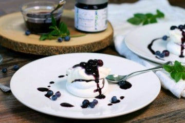 An elegant looking, yet simple to make blueberry pavlova recipe. The ideal summer dessert to enjoy with friends, or to impress with on a special occasion.