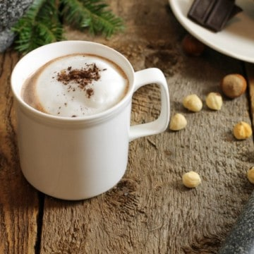A perfectly nutty and comforting drink to enjoy on a cold day, homemade hazelnut hot cocoa is easy to make and enjoyed by the whole family. Great after a day outside skating or sitting around a campfire! #hotchocolate #chocolate #hotcocoa #cocoa #drinks #winter